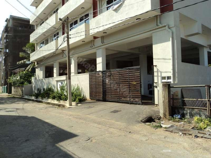 Apartment for rent in Colombo 6