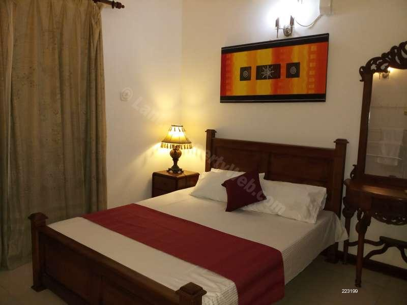 Master bedroom  - 3 BR Wellington Residencies Furnished Apartment for Short term rent in Colombo 6