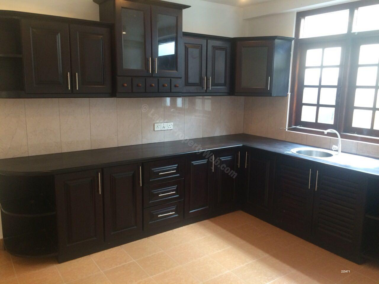 House for sale in Nugegoda