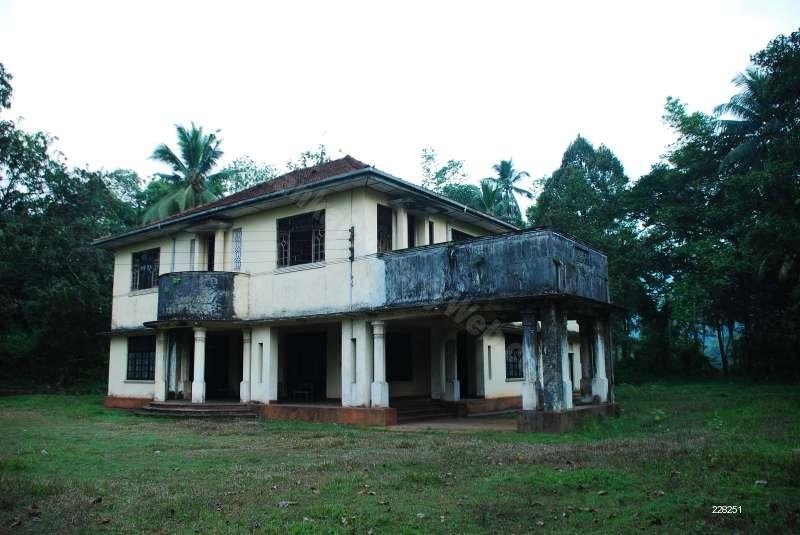 Bungalow for Sale in Kitulgala Colonial Type House for Sale