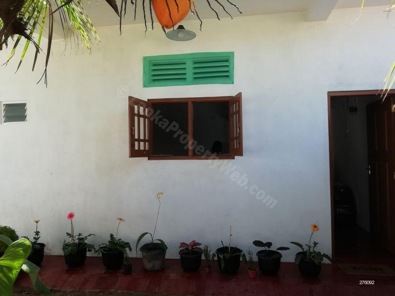 Room for rent in Colombo 5