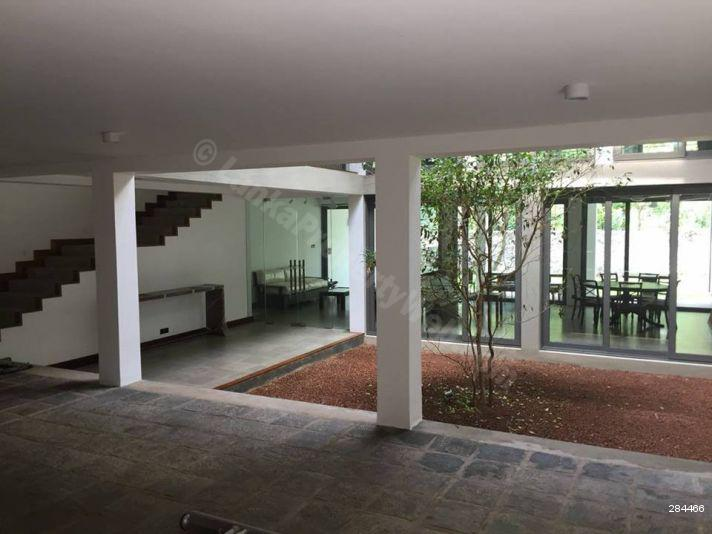 Bungalow for rent in Battaramulla