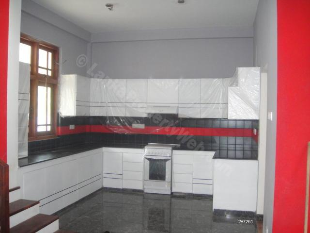 House for sale in Gampaha - Luxurious house 5 mnt walk to Gamapaha town