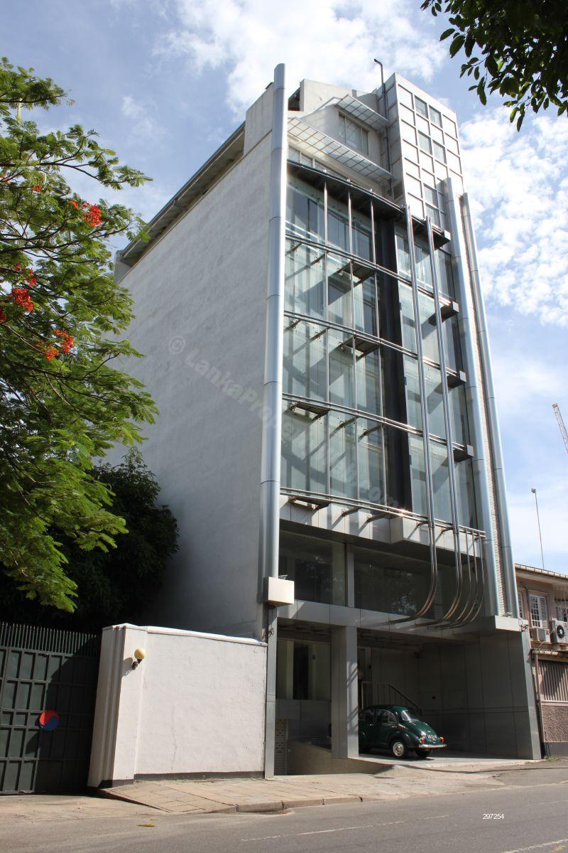 Comm - Office for rent in Colombo 4