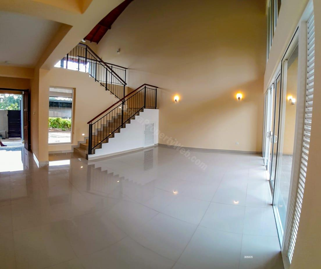 House for sale in Thalawathugoda - Luxury House-Close to Nature-Close to City