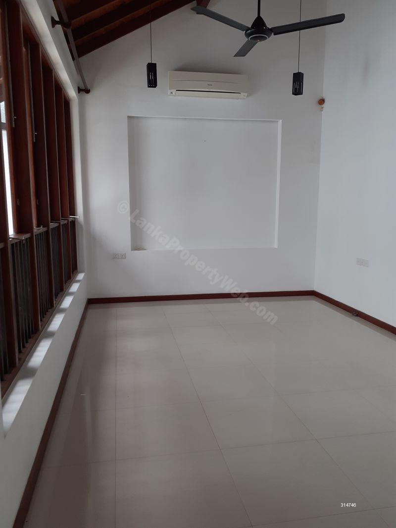 House for rent in Nugegoda - Modern brand new two story house for rent 150000