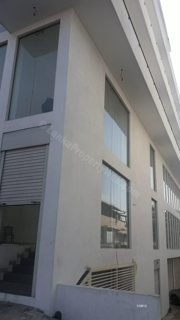 Comm - Office for rent in Dehiwala - Brand new 4 storey show room building for rent in Galle road Dehiwala